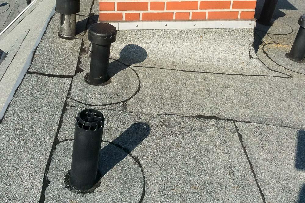 Dachbeluefterdeckel-fehlt-Gefahr-Feuchtigkeit-kann-eindringen